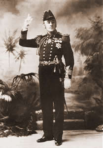 Laurence Gridley as Captain Corcoran